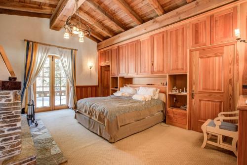 Sale - Chalet 7 rooms - 350 m2 - Chamonix Mont Blanc - Photo