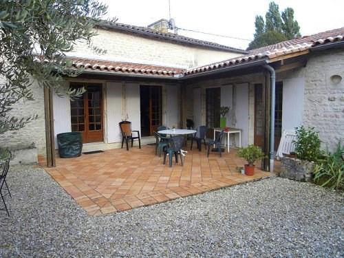 Location maison / villa Entre cognac et jarnac 990€ +CH - Photo 2