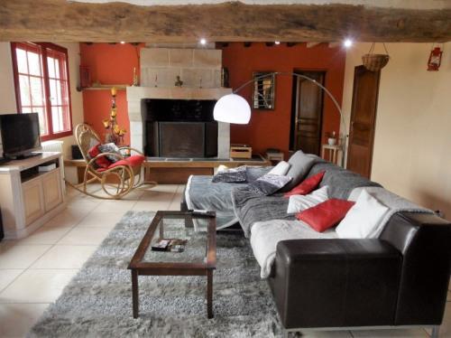 Vente - Maison longère 6 pièces - 131 m2 - Les Rosiers sur Loire - Photo
