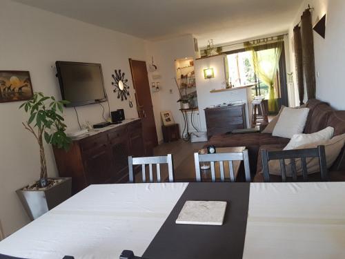 Vente - Appartement 4 pièces - 80 m2 - Saint Cyr sur Mer - Photo