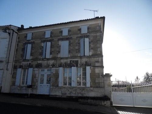 Sale house / villa Burie 171200€ - Picture 1