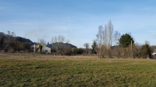 Vente - Terrain - 1645 m2 - Saint Bonnet près Orcival - Photo