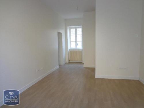 Location - Boutique 1 pièces - 60 m2 - Alençon - Photo