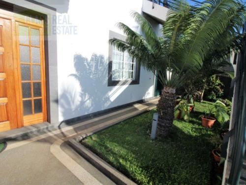 Sale - Villa 10 rooms - 414 m2 - São Martinho - Photo