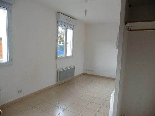 Location maison / villa Bu 606€ CC - Photo 3