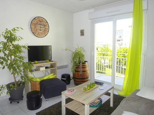 Rental apartment Cognac 342€ CC - Picture 1