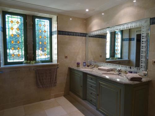 Verkoop van prestige  - woning 10 Vertrekken - 445 m2 - Saint Junien - Photo