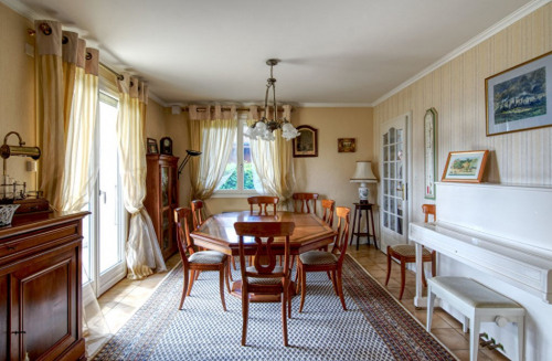 Sale - House / Villa 7 rooms - 186 m2 - Gex - Photo