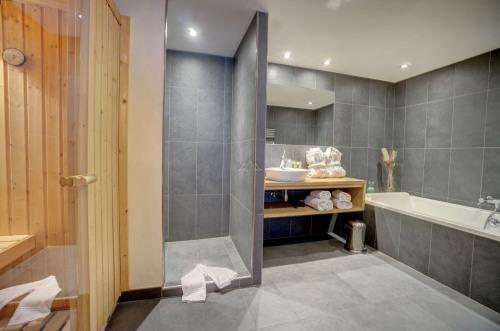 Vente - Appartement 2 pièces - 49,54 m2 - Chamonix Mont Blanc - Photo