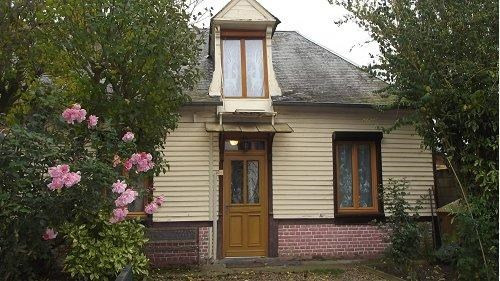 Sale house / villa Aumale 85000€ - Picture 1