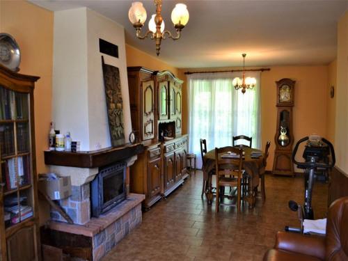 Vente - Pavillon 5 pièces - 90 m2 - Chazelles - Photo