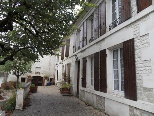 Sale house / villa 10 mn sud cognac 313510€ - Picture 1