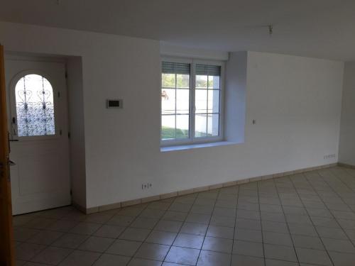 Vente - Maison / Villa 4 pièces - 129 m2 - Senlis - Entrée sur séjour - Photo