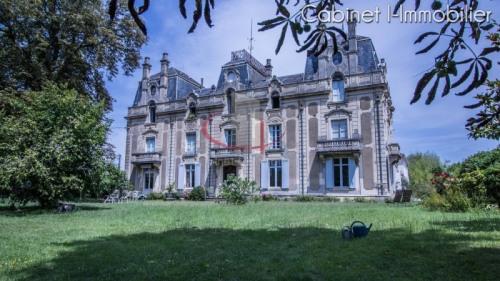 Vente de prestige - Château 19 pièces - 715 m2 - Bordeaux - Photo