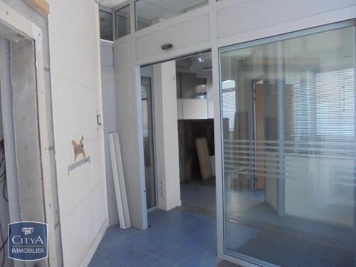 Locação - Loja - 90 m2 - Vinay - LOCAL COMMERCIAL - Photo