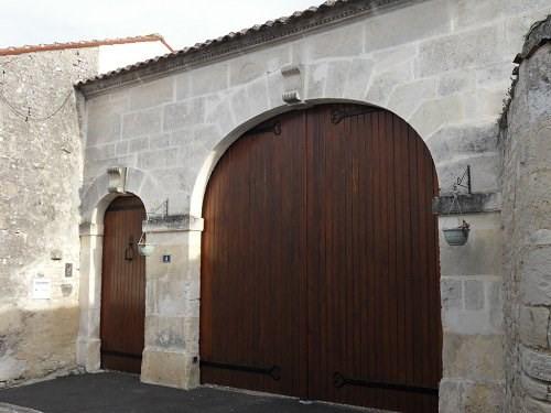 Vente maison / villa Entre cognac et jarnac 270300€ - Photo 2