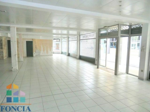 Location - Local commercial - 459 m2 - Lourdes - Photo
