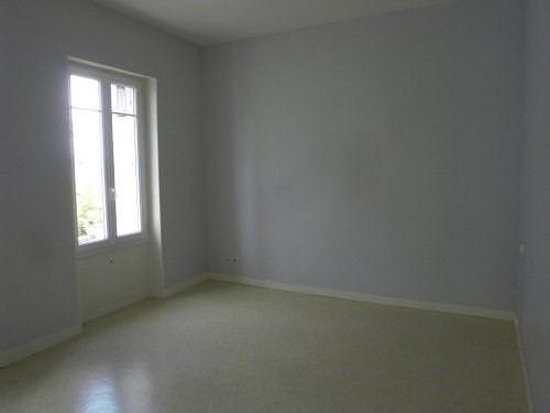 Location appartement Cognac 445€ CC - Photo 3