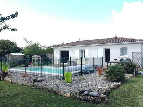Sale house / villa 5mn cognac 214 000€ - Picture 1