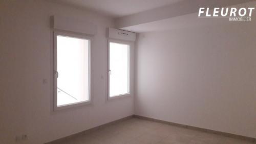 Rental - Office - 25.1 m2 - Saint Cyr sur Mer - Photo