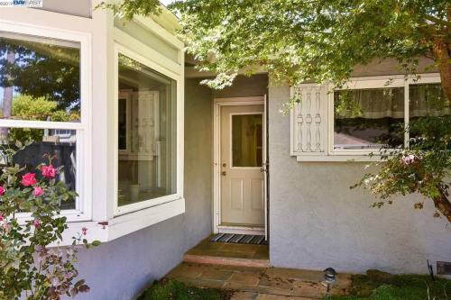 Venta  - Edificio - 175,96 m2 - Pleasanton - Photo