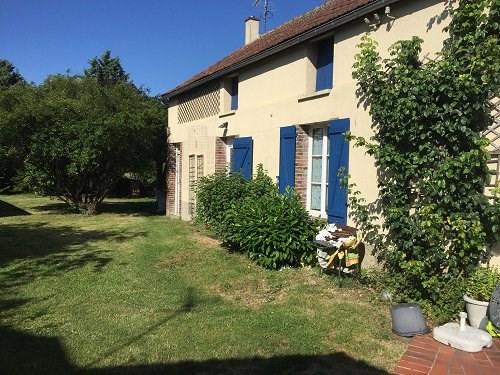 Sale house / villa Houdan 273000€ - Picture 1