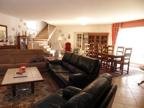 Sale house / villa Entre cognac et jarnac 270300€ - Picture 1