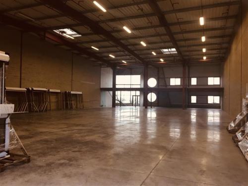 Location - Entrepôt - 1100 m2 - Le Thillay - Photo