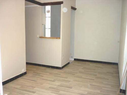 Location - Appartement 2 pièces - 32 m2 - Nîmes - Photo
