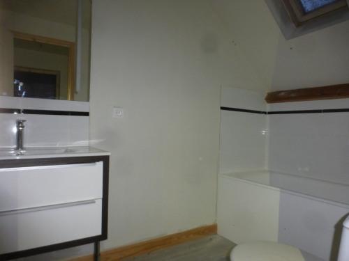 Vente - Maison longère 6 pièces - 130 m2 - Goincourt - Photo