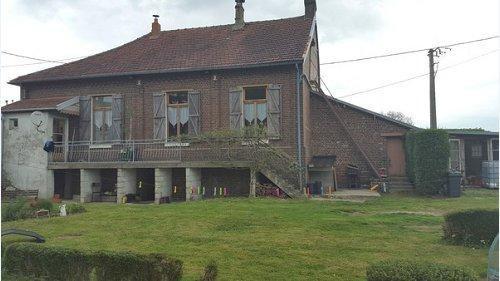 Sale house / villa Formerie 107000€ - Picture 1