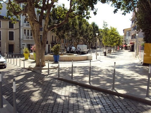Location maison / villa Martigues 570€ CC - Photo 3