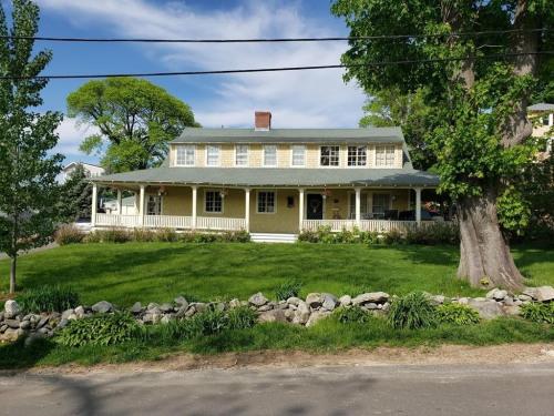 Vente - Maison / Villa 1 pièces - 256 m2 - Hingham - Photo