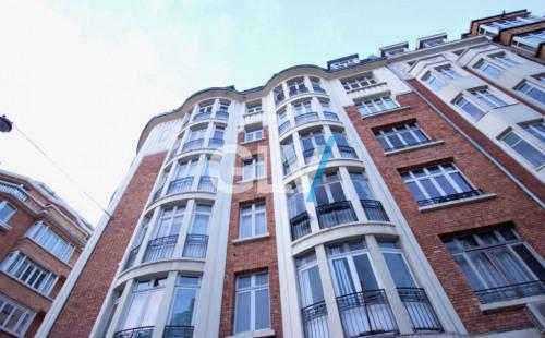 Location - Appartement 2 pièces - 63 m2 - Lille - Photo