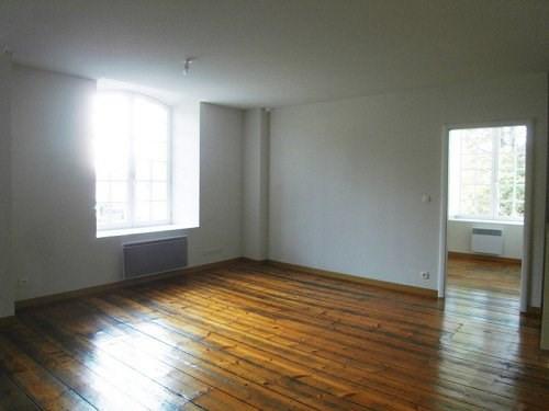 Rental apartment Cognac 521€ CC - Picture 1