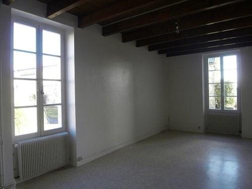 Rental house / villa 20 mn sud cognac 450€ CC - Picture 3