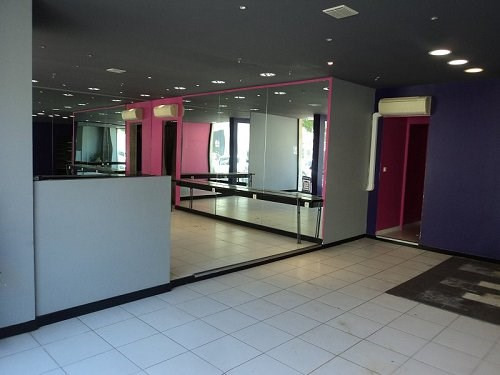 Location local commercial Marignane 700€ CC - Photo 3