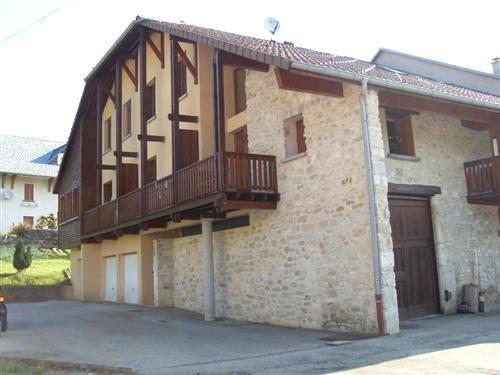 Location appartement Le petit abergement 326,83€ CC - Photo 1