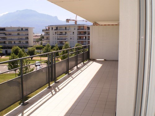 Location appartement Saint martin d heres 840€ CC - Photo 5