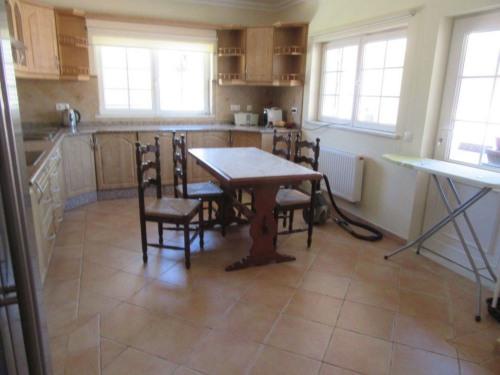 Sale - Villa 10 rooms - 274 m2 - Quarteira - Photo