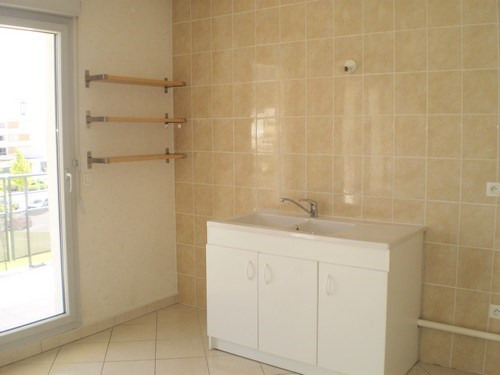 Location appartement Saint martin d heres 840€ CC - Photo 3