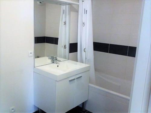 Sale - Apartment 2 rooms - 50 m2 - Gières - Photo