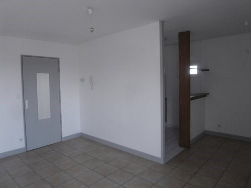 Location appartement Cognac 397€ CC - Photo 2