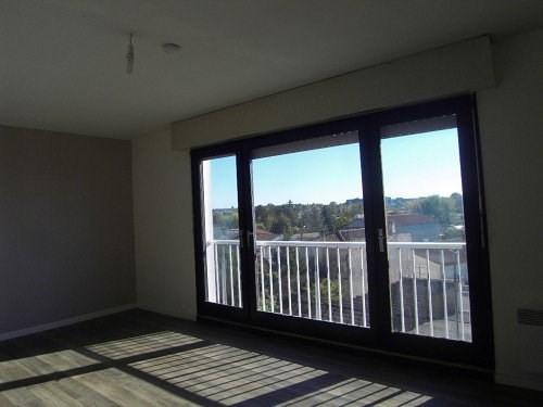 Rental apartment Cognac 338€ CC - Picture 2