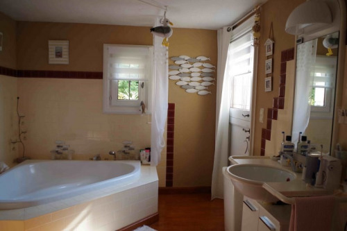 Vente - Propriété 10 pièces - 270 m2 - Spéracèdes - Photo