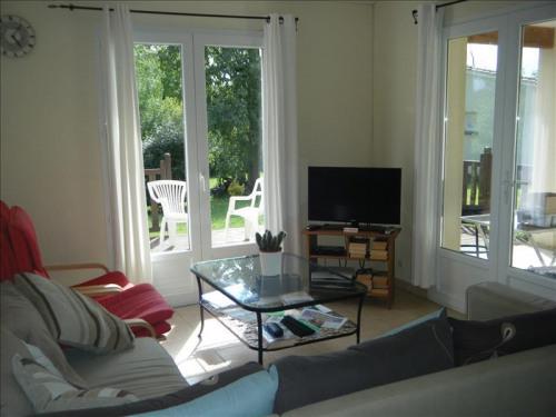 Sale - Villa 4 rooms - 75 m2 - Brossac - Photo