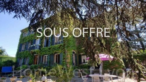 Vente de prestige - Demeure 9 pièces - 318 m2 - Rive de Gier - Photo