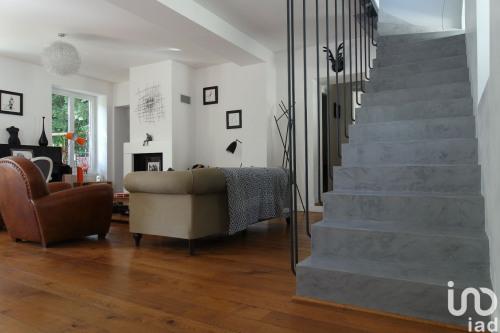 Vente - Demeure 8 pièces - 220 m2 - Yerres - Photo