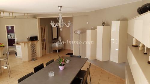 Vente - Maison traditionnelle 5 pièces - 219 m2 - Die - Photo