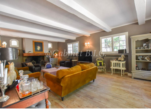 Deluxe sale - Property 9 rooms - 220 m2 - Le Beausset - Photo